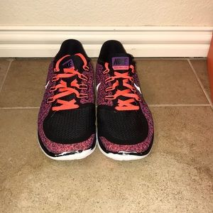 Nike Shoes - Women's Nike Free Print Size 11